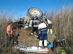 Un hombre de 42 años resulta herido, con pronóstico reservado, al volcar un tractor en Lerín (Navarra)