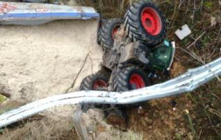 Un agricultor resulta ileso tras sufrir un accidente con el tractor en Toro (Zamora)