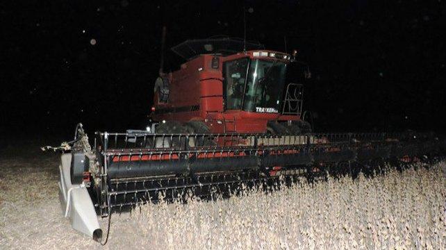 Un trabajador rural murió aplastado por una máquina cosechadora