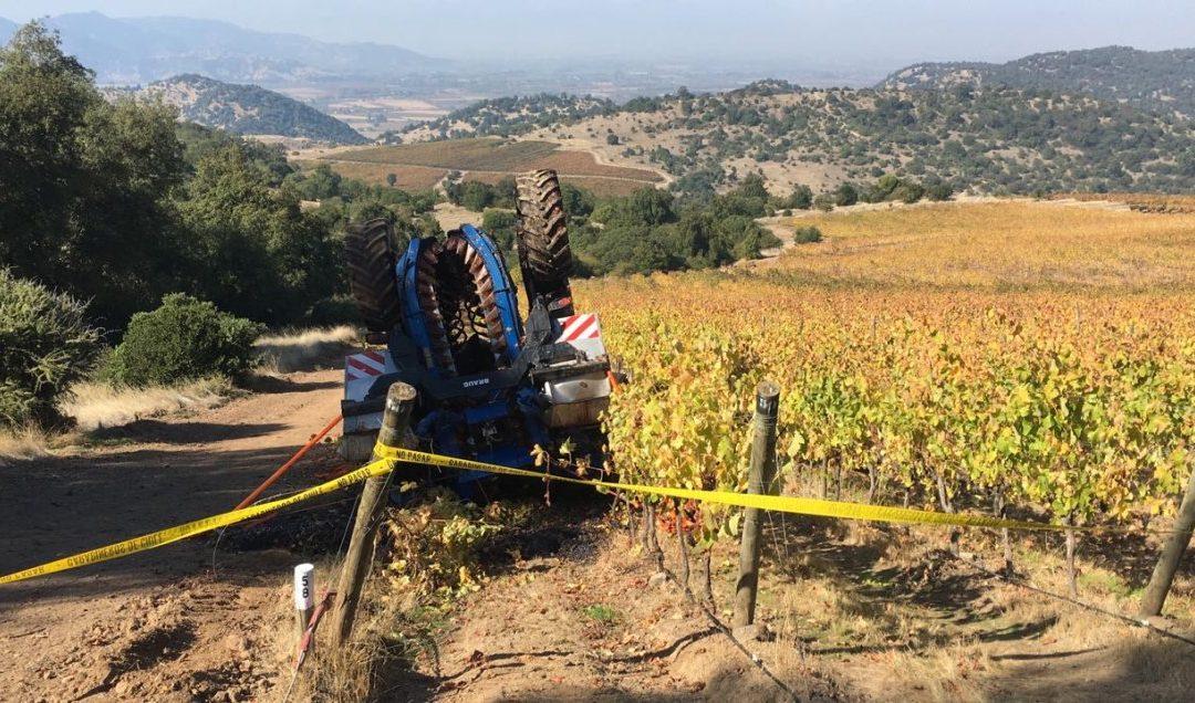 Trabajador agrícola muere aplastado por máquina cosechadora en Rauco