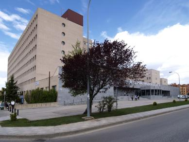 Ingresado en Traumatología en estado grave el joven que cayó desde una cosechadora en La Alberca