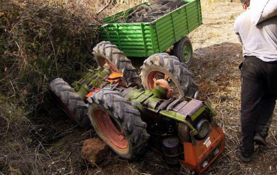 Joven herido con policontusiones por vuelco de tractor