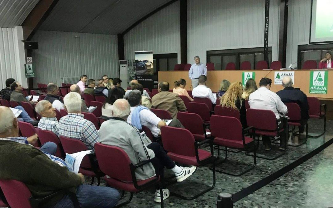 Asaja-Jaén forma a agricultores sobre seguros, prevención de riesgos y ahorro energético
